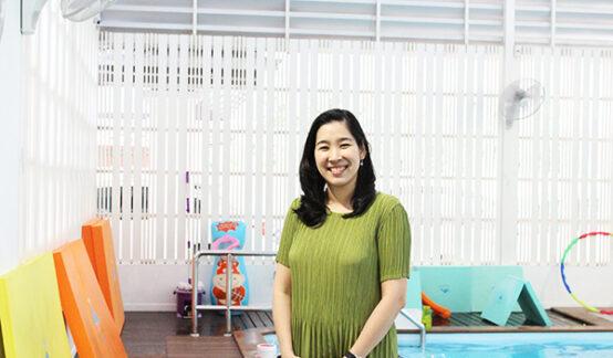日本ならではの仕事の流儀を活かして、子どものためのスイミングスクールを運営。(ニュウさん)「私と日本」vol.12のサムネイル